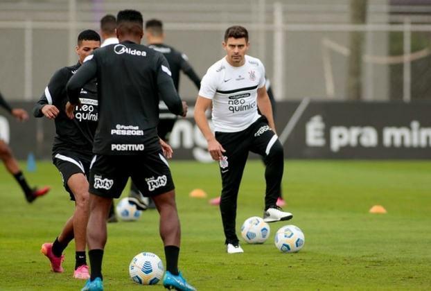 Alex - meia - 39 anos - foi contratado neste ano para coordenar a base do Corinthians, mas recentemente foi promovido a auxiliar da equipe principal.