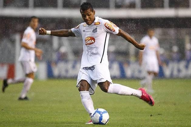 Alex Sandro (Santos) - Um dos bons laterais-esquerdo na atualidade, Alex Sandro deixou o Santos no fim de 2011, rumo ao Porto, onde jogou até 2015 para, então, atuar pela Juventus