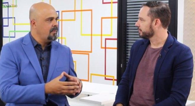 Alex Silva, especialista em bitcoin, e Reginaldo Pereira, apresentador