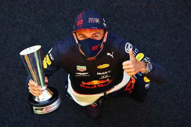 Alexander Albon finalmente conseguiu seu primeiro pódio na Fórmula 1