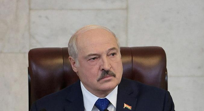 Presidente de Belarus afirma que atuou 'legalmente' ao desviar avião