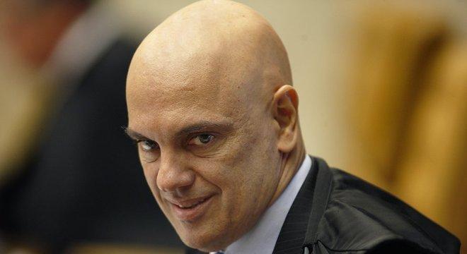 Alexandre de Moraes defendeu, em Lisboa, a continuidade do inquérito aberto por Dias Toffoli. Para Gurgel, essa decisão precisa passar pelo plenário do STF