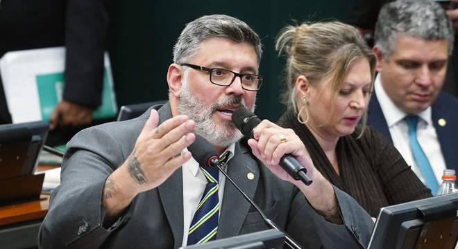 Tucanos querem barrar filiação de Frota no PSDB