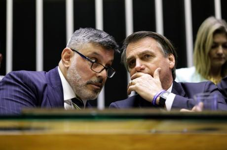 Frota reclamou da falta de empenho de Bolsonaro