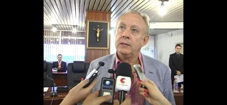 Alexandre Grendene Bartelle, 70 anos - Fortuna estimada em 2,2 bilhões de dólares - Torcedor do Grêmio - Fonte da riqueza: Grendene - 33º colocado na lista de pessoas mais ricas do Brasil, segundo a revista Forbes.