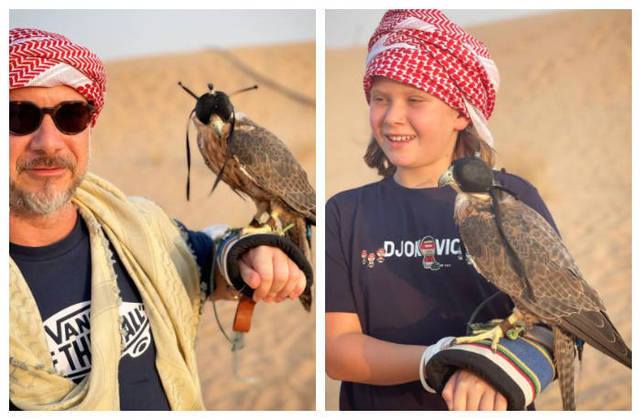 O marido, o empresário Alexandre Iódice, e o filho, Vittorio, também se deixaram fotografar segurando a ave