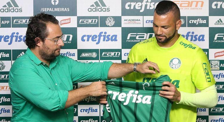 Mattos sabe que errou e acertou no Palmeiras. Enfrentou a torcida e trouxe Weverton