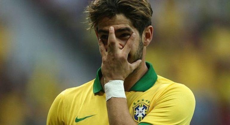 Pato. Desilusão também na Seleção. Não disputou uma Copa. Foi esquecido em 2013