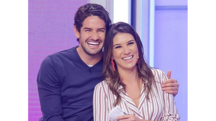 Alexandre Pato se casou em junho de 2019 com a apresentadora Rebeca Abravanel, filha de Silvio Santos, e estão juntos até hoje.