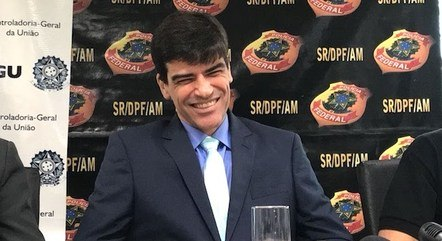 Na imagem, delegado da PF Alexandre Saraiva
