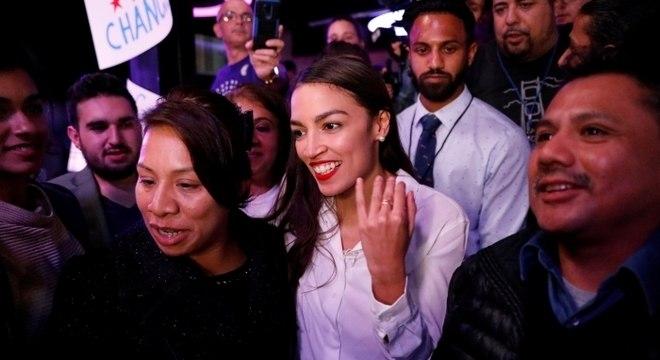 Alexandria Ocasio-Cortez é mais jovem eleita para o Congresso