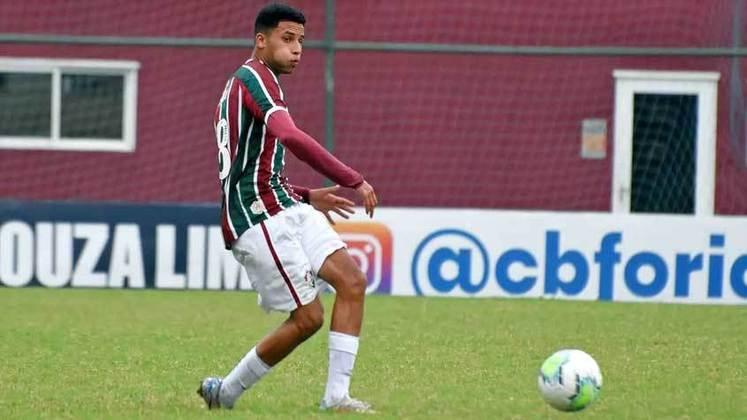 Alexsander - 17 anos - meio-campista - contrato com o Fluminense até 25/01/2024