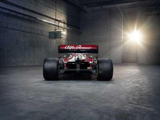 Alfa Romeo espera evoluir durante o campeonato e sair do fim do pelotão