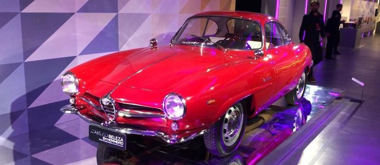 A beleza do Giulia Sprint Speciale dos anos 1960 que tinha motor 1600cc e tração traseira