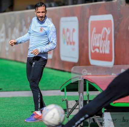 Ali Maâloul - O zagueiro do Al Ahly tem um fator especial, participa muito do ataque e está diretamente ligado aos gols da equipe. Na temporada, são três gols e duas assistências em oito jogos para o zagueiro, feito que pode preocupar os adversários.