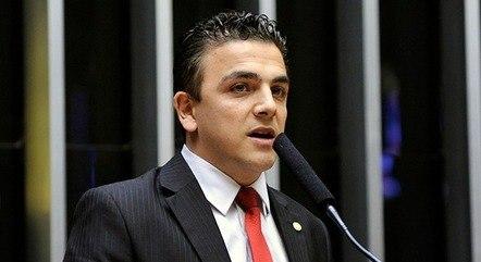 Na imagem, deputado Aliel Machado (PSB-PR)