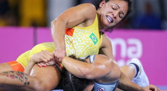 Aline Silva é a maior medalhista do Brasil no wrestling em Pan-Americanos