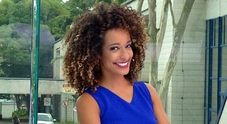 """Alinne Prado, ex-""""Vídeo Show"""", agora na apresentação do """"TV Fama"""""""