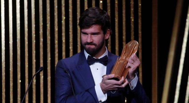 Alisson venceu também o prêmio da Fifa como melhor goleiro do mundo