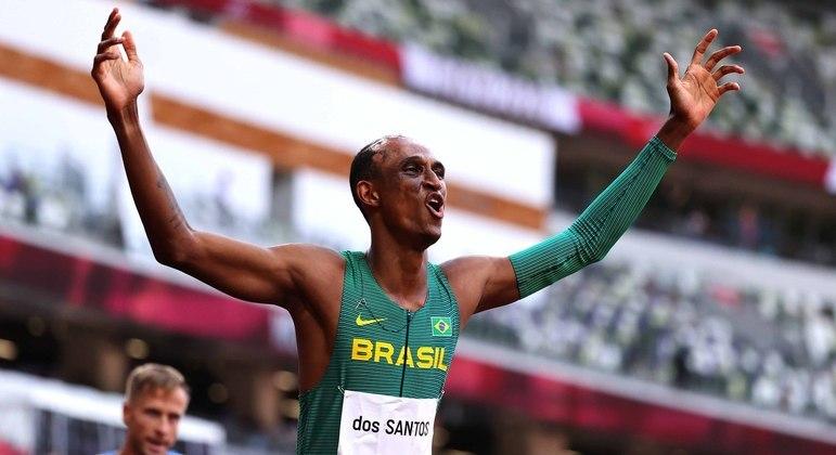 Alison fez o melhor tempo da vida e conquistou medalha inédita nos 400 m com barreiras