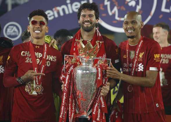 Alisson, goleiro; Fabinho, volante; Roberto Firmino, atacante - Liverpool - 2019