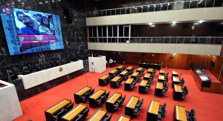 CPI vai ouvir depoimentos de três secretários de Zema sobre gastos na saúde
