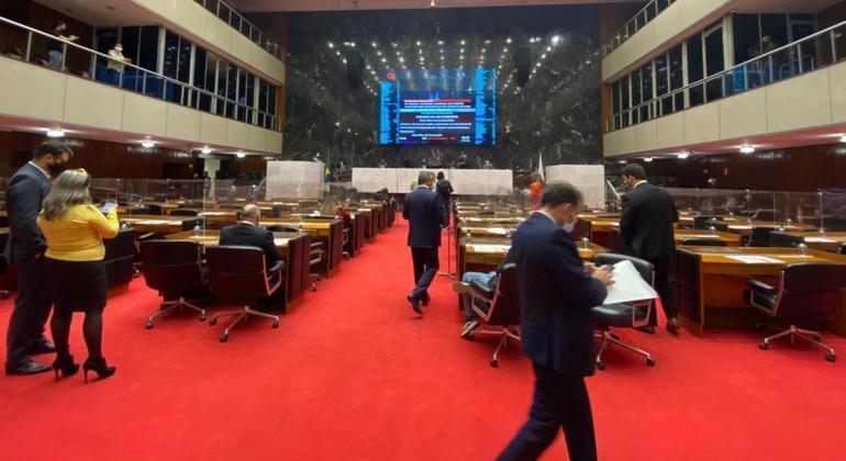 Comissão da Assembleia discute privatização de empresas estatais em Minas