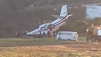 __Avião com DJ Alok sai da pista ao decolar em aeroporto de MG__ (Reprodução)