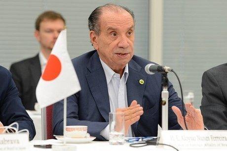 Ex-chanceler Aloysio Nunes, que negociou adesão do Brasil ao pacto e criticou anúncio de que Bolsonaro deixaria o acordo