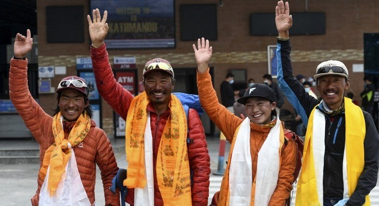 Tsang Yin-hung  estabeleceu o recorde feminino de escalar mais rápida do Everest