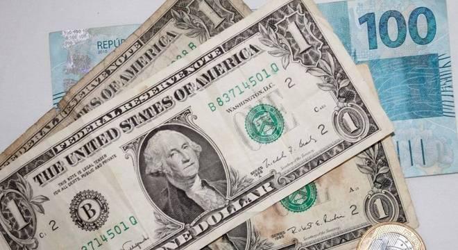 Dólar deve continuar em alta enquanto as outras moedas sofrem
