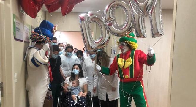 Corredores ficaram em festa no dia da alta do bebê