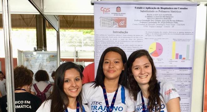 Gabriela Henriques, Milena Ribeiro e Bianca Zampieri em Mostra de Ciências