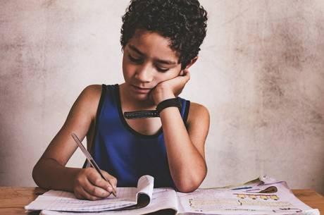 Risco de evasão escolar aumenta, aponta pesquisa
