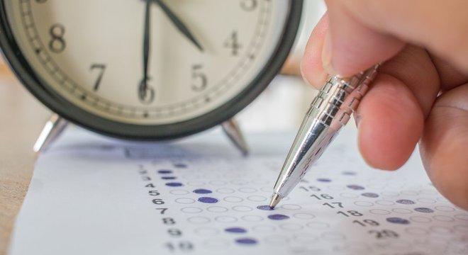 Tempo para resolver cada questão precisa ser controlado