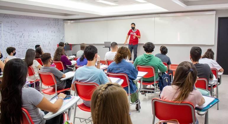 Professor dá dicas de como a matéria de história é cobrada no Enem
