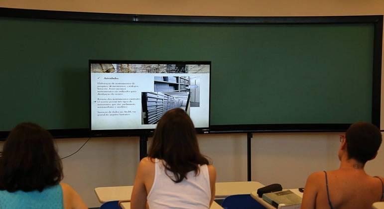 Evento gratuito e online irá debater  a alfabetização tecnológica no ambiente digital