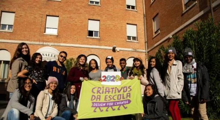 Estudantes na última edição do Criativos da Escola
