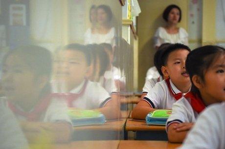 O governo chinês chegou a proibir presentes aos professores, que muitas vezes são usados como tentativa de suborno