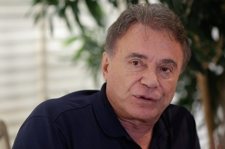 Álvaro Dias quer todos os alunos no ensino integral