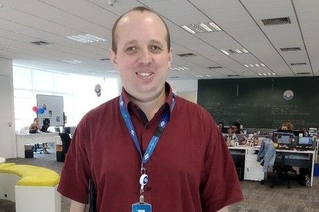 Alvaro é assistente de conteúdo web