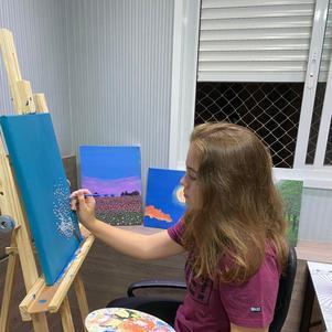 Amanda tem a pintura como refúgio