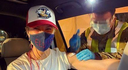 Amanda foi vacinada contra a covid-19