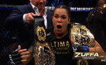 Amanda Nunes é a primeira mulher do UFC a conquistar dois cinturões, o primeiro em 2016 contra Miesha Tate e o segundo em 2018, contra a brasileira Cris Cyborg