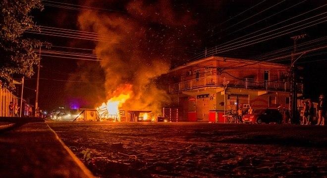 População do Amapá sofre com apagão há vários dias