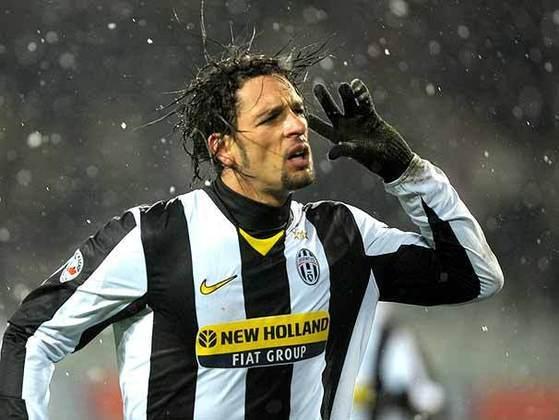 Amauri - atacante - 2008/2010 - 100 jogos e 24 gols - Clubes no Brasil: Santa Catarina