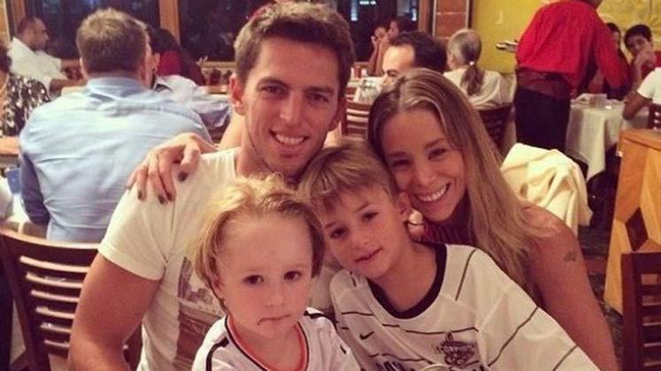 Amaury Nunes e Daniela Winits estiveram juntos durante quatro anos. Entretanto, em 2015 o casal decidiu se separar.
