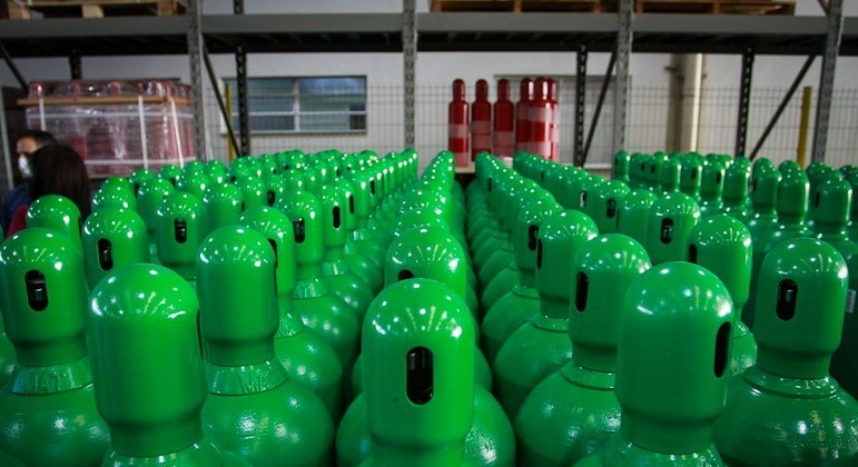 Cilindros de oxigênio foram doados pela multinacional especializada em bebidas