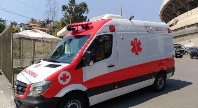 Duas ambulâncias levaram os torcedores para hospitais da região