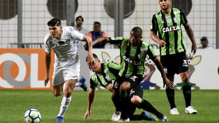 América-MG – 5 jogadores: Matheus Cavichioli (34 anos), João Paulo (34 anos), Juninho (33 anos), Felipe Azevedo (34 anos) e Marcelo Toscano (35 anos)